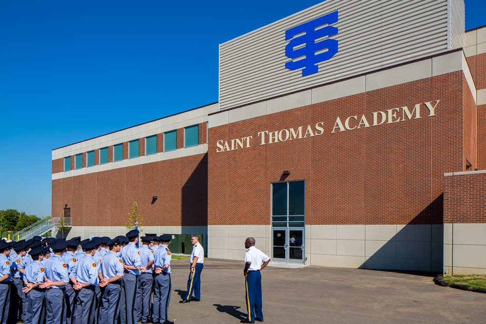 Opus partnered with Saint Thomas Academy to design and construction a new athletic and academic facility.