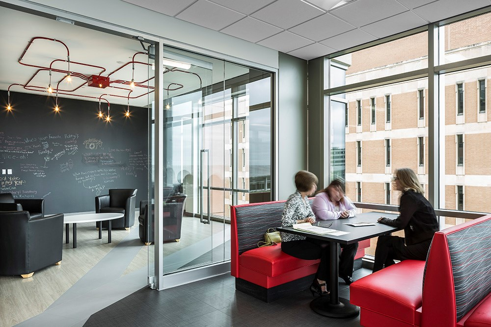Xcel Energy @ 401 Nicollet features collaborative workspaces with expansive views.