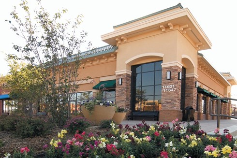 Arbor Lakes Lifestyle Center, suburban retail development