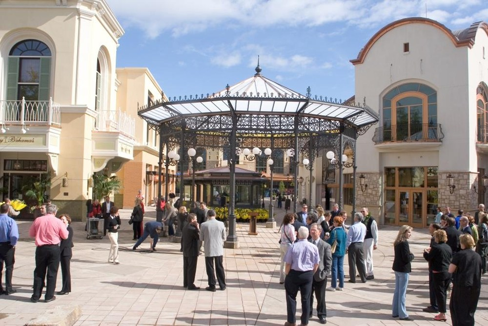 Bridgeport Village Lifestyle Center, Portland retail development