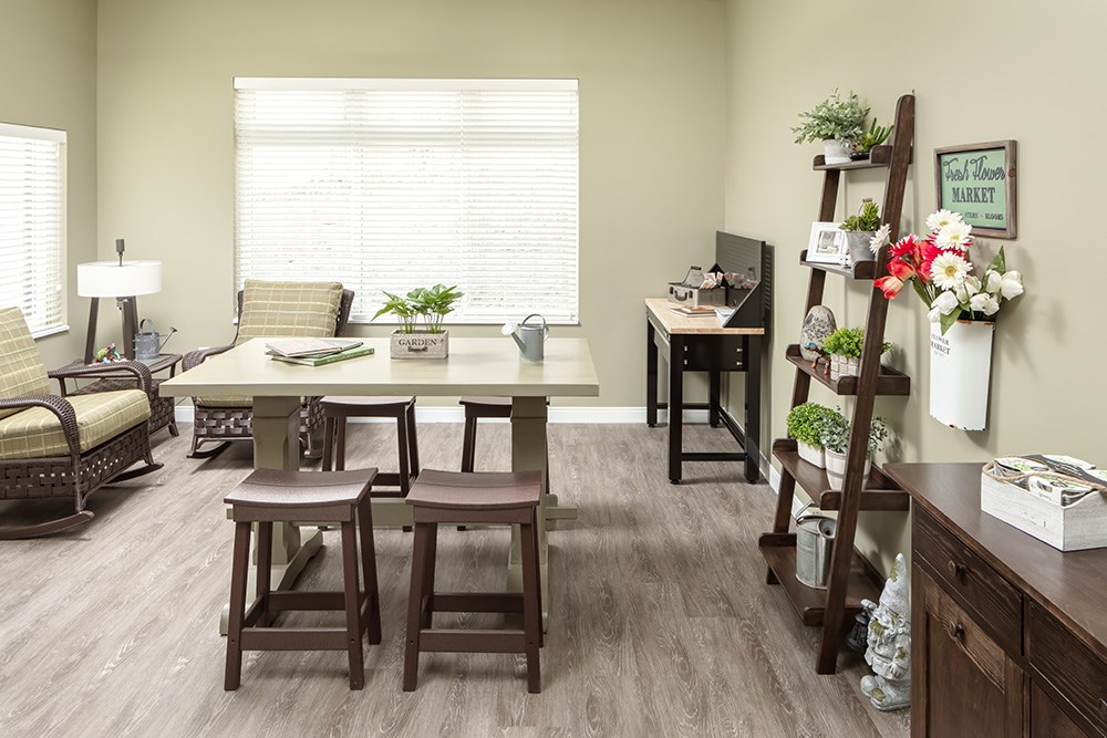 apartment dining room of Orchards of Minnetonka senior living facility in Minnesota