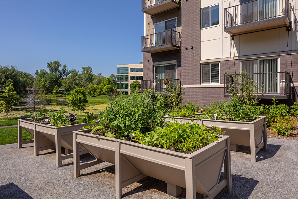 outdoor raised garden planters of Orchards of Minnetonka senior living facility in Minnesota