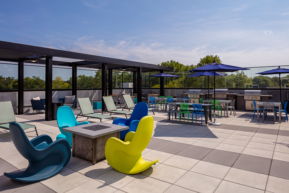 amenity outdoor lounge patio of The Union on Lincoln Way Student Living
