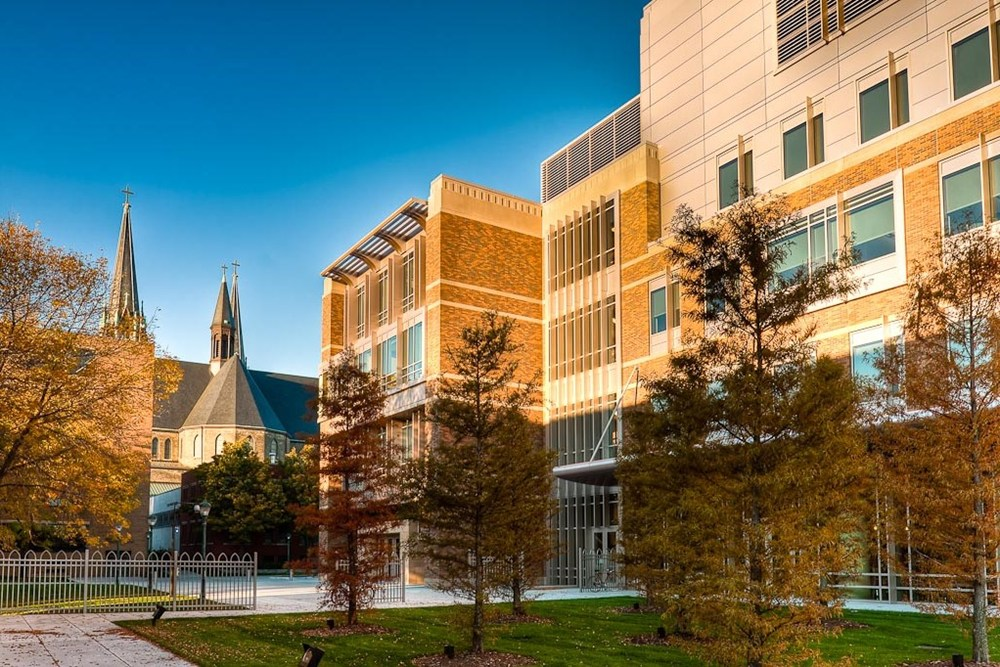 Marquette University Law School, institutional construction, Marquette construction