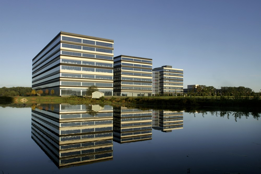 Medtronic Cardiac Disease Rhythm Management, suburban office campus, office space development