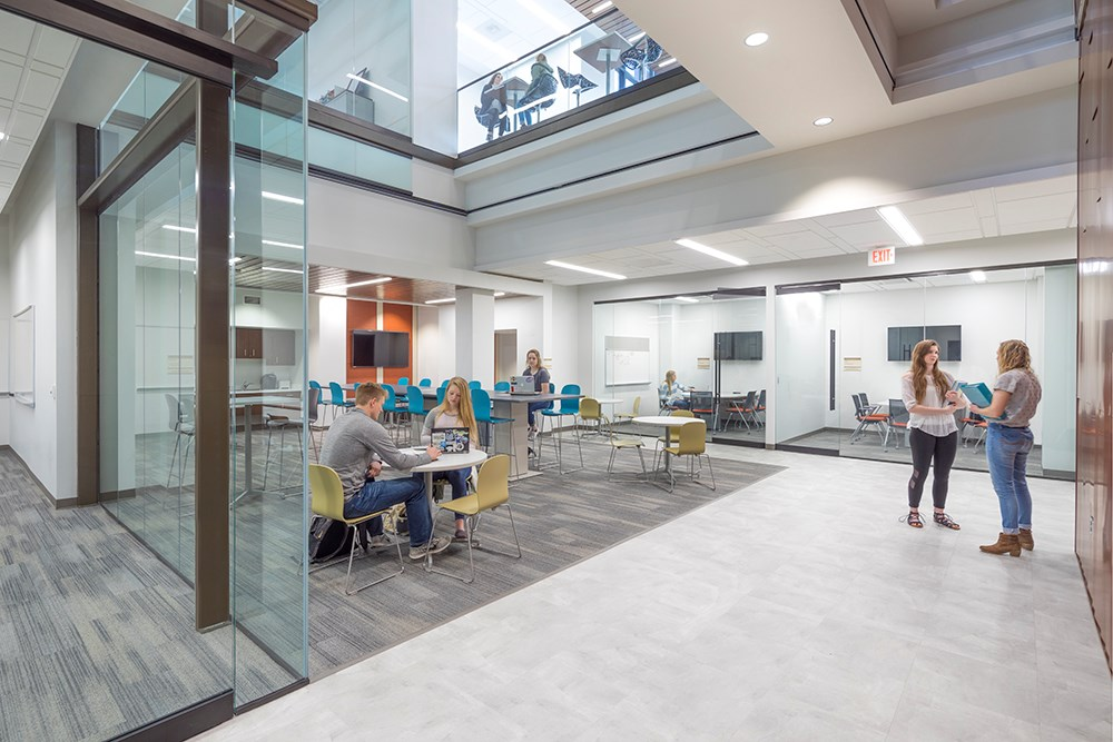 Northwestern College Health Natural Sciences Learning Commons built by Opus Design Build.