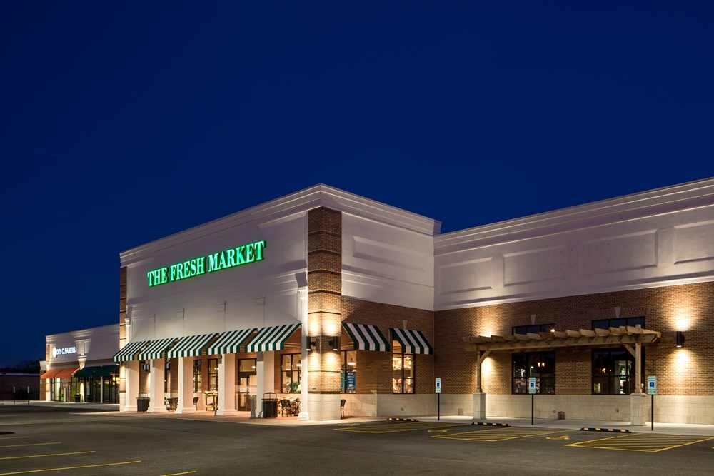Opus' integrated design-build team helped bring The Fresh Market Center to market on time.