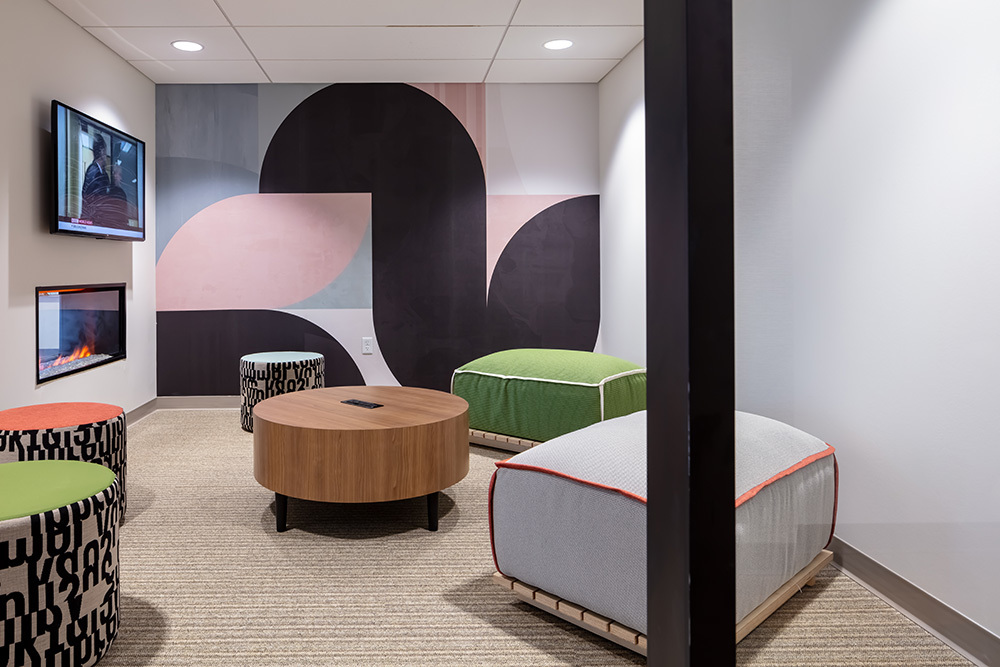 amenity study lounge of Seven07 U of I Student Living Development in Illinois